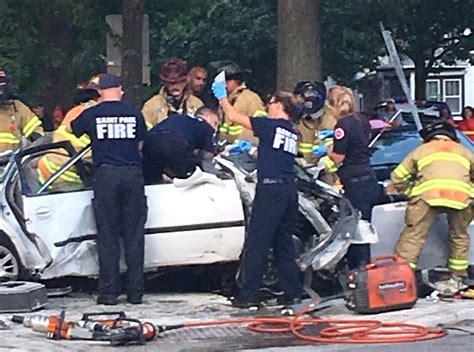 car smashes  metro transit bus  st paul  dead
