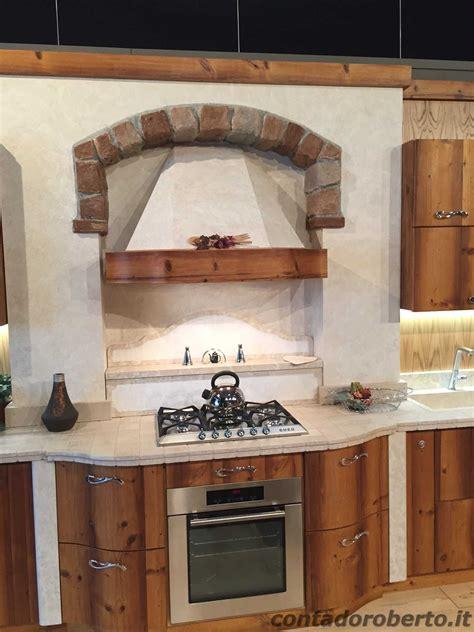 cucine in larice cucina moderna in legno di larice vecchio contado