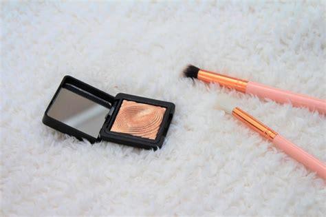 kiko water eyeshadow 208 light gold similar to mac wisper of gilt 100 authentic ebay the prettiest highlighter kiko light gold 208 water eyeshadow marble