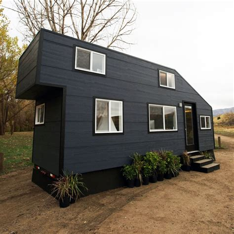 Tiny House Nation Tiny House Tour Romantic Abode Fyi Tiny House Nation Fyi