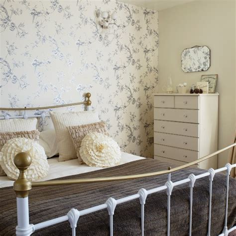 Bedroom Decorating Ideas Uk by Pale Country Bedroom Housetohome Co Uk