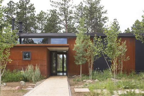 boulder cabin dynia architects archdaily