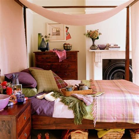 Scottish Bedroom Decor by Bedroom With A Four Poster Canopy Bed Cosy Bedroom