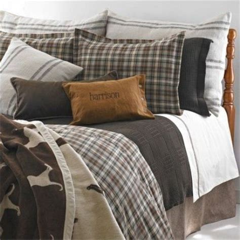 masculine comforter 35 awesome bedding ideas for masculine bedrooms digsdigs