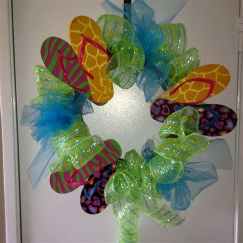 flip flop wreath screams im ready  summer flip