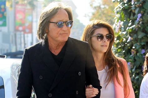 shiva safai twitter mohammed hadid mohamed hadid s fiance 233 addresses sexual assault