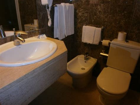 hotels with bidets bathroom with bidet picture of hotel mundial lisbon