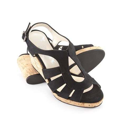 lucia sandals 28 images clarks s leisa lucia