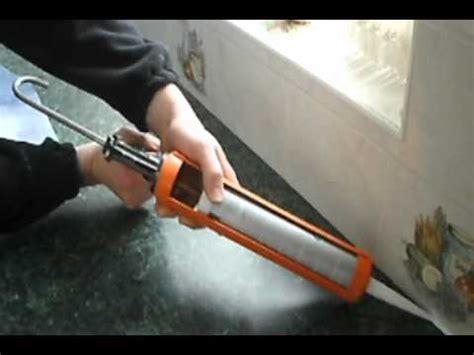 how to apply bathroom caulk come applicare il silicone doovi