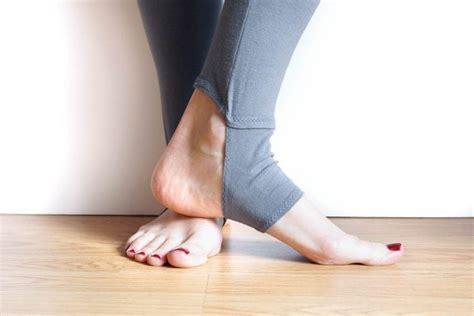 Yoga Leggings Sewing Pattern | tutorial and pattern yoga style stirrup leggings sewing