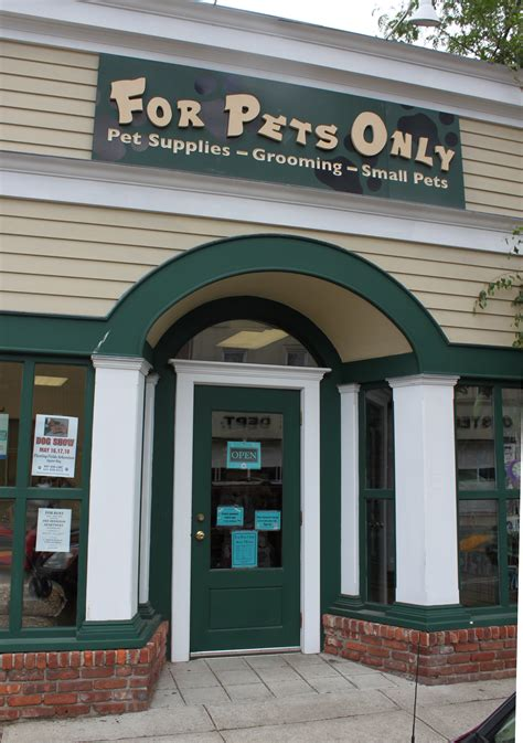 Garden State Plaza Pet Store by Pet Store Fashion Island