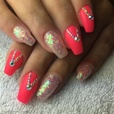 Nagel Steentjes by Nagelstudio Woerden The Skin Nails Club Schoonheidssalon