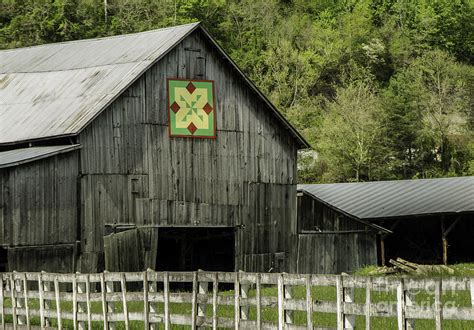 quilt pattern on barns in kentucky kentucky barn quilt 3 photograph by mary carol story