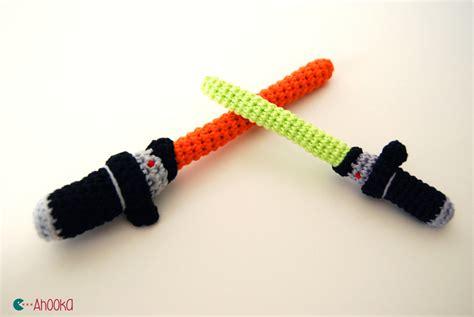 Amigurumi Lightsaber Pattern | crochet star wars lightsaber free amigurumi pattern
