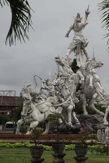 giant statue  krishna  arjuna  battle bali