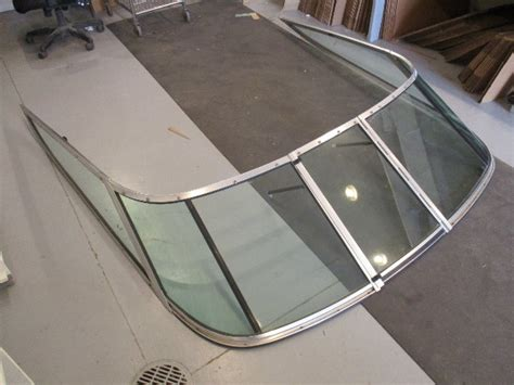 chaparral boat glass 1990 chaparral 1900sl 19 boat windshield window glass