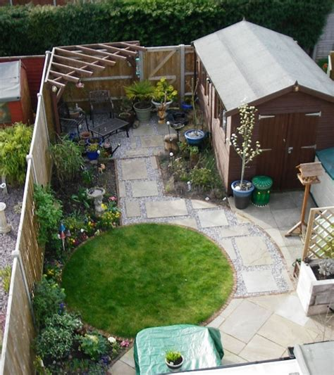 Patio Ideas For Small Gardens Uk Small Garden Design Debbie Carroll
