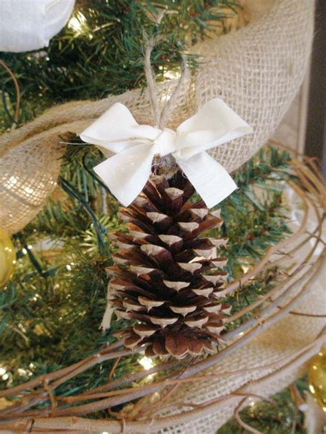 Maravillosa  Como Hacer Lazos Navidenos #7: Arbol-de-navidad-decoracion-lazo-blanco-pina.jpg