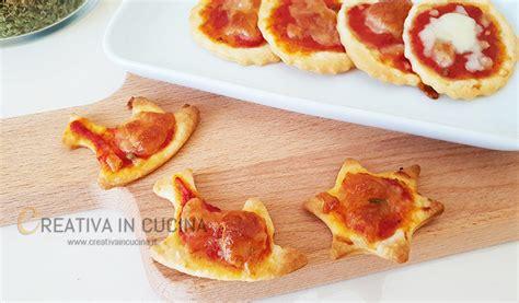 pasta facile da cucinare pizzette di pasta bris 232 e ricetta facile e veloce