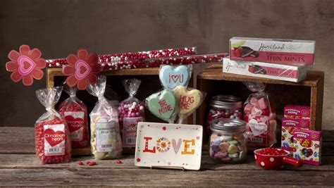 crackr barrel christmas merchandise s day giveaway with cracker barrel mommies with style
