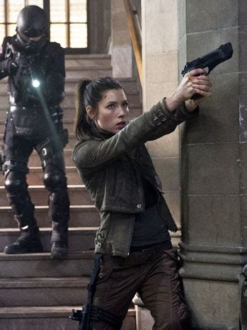 bryan cranston jessica biel movie in theaters this weekend reviews of total recall