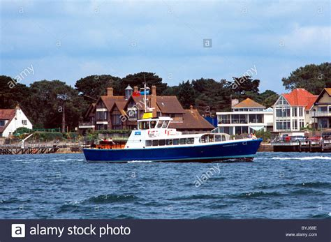 boat transport poole dorset motor pleasure boat bournemouth belle at mouth of poole