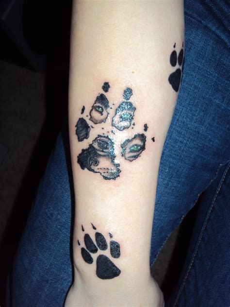 wolf paw print tattoo tatto paw print tattoos