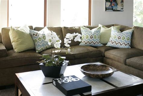 brown couch pillow ideas best 25 olive green couches ideas on pinterest dark