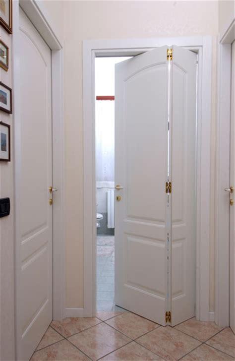 porte interne a libro castellari porte e finestre porte per interni castellari
