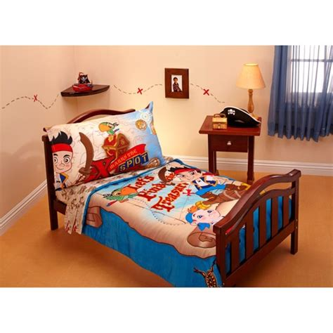 neverland themed bedroom jake the neverland pirates treasure hunt 4 piece toddler
