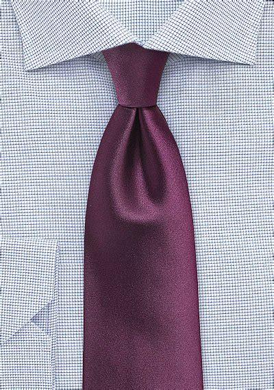 Cs 1043 Black solid color tie in plum bows n ties