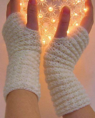 free pattern wrist warmers 17 best images about crochet wrist warmers fingerless