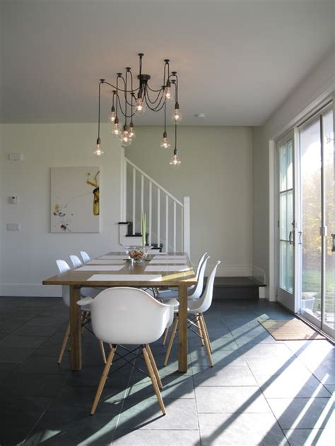 Modern Dining Area With Edison Bulb Chandelier Modern Modern Dining Room Chandelier