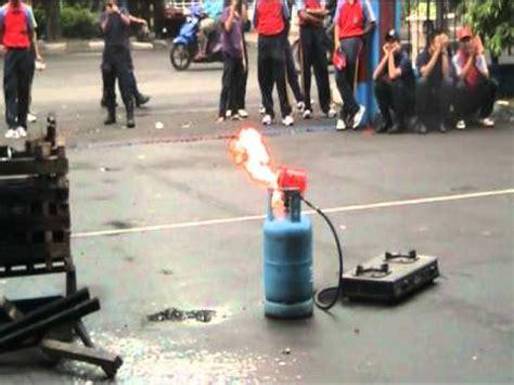Kompor Jos Elpiji pesta rakyat adu bedug kp jati gas elpiji 3kg meledak