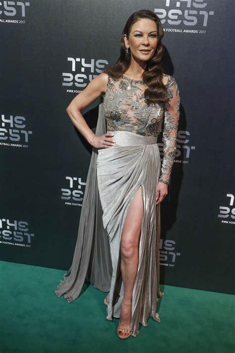 Catwalk To Carpet Catherine Zeta Jones by Let S All Gently Tell Catherine Zeta Jones Some Style