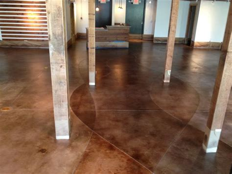 cemento colorato per pavimenti esterni quali sono i tipi di pavimento in cemento per gli ambienti