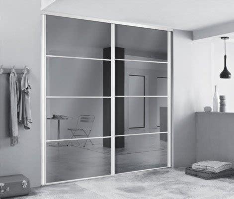 relooker cuisine en bois 218 portes de dressing avec miroirs pour agrandir l espace