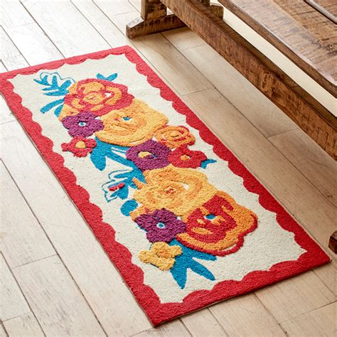 flea market rugs pw table and kitchen linens the pioneer