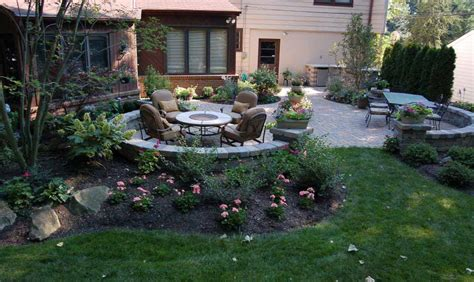 Landscaping Patios Ideas Landscape Arrangements For Your House S Front Gardening Flowers 101 Gardening Flowers 101