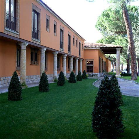 Parador De Tordesillas | chinch 243 n la granja and tordesillas 3 royal sites to