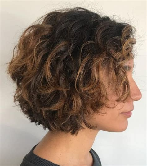 short layered hair styles with soft waves 50 most delightful short wavy hairstyles