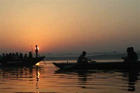 boat ride varanasi 9 things every traveler must do when in varanasi