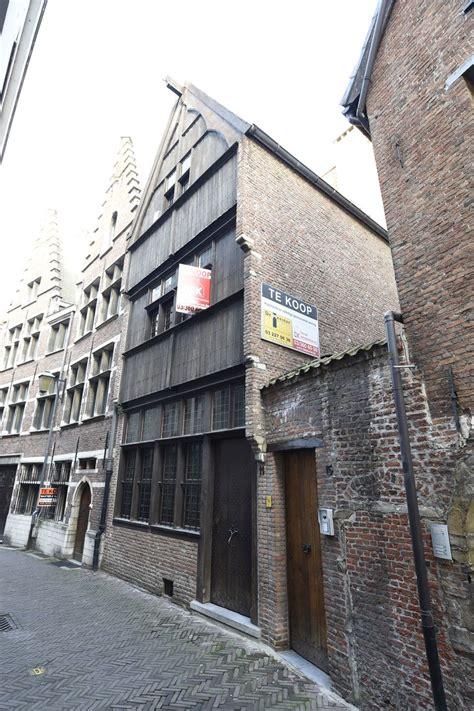 huis 2 jaar te koop oudste huis van stad wordt airbnb antwerpen regio hln