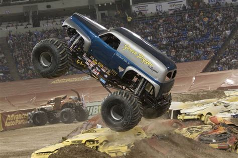 grave digger legend truck grave digger the legend trucks wiki fandom