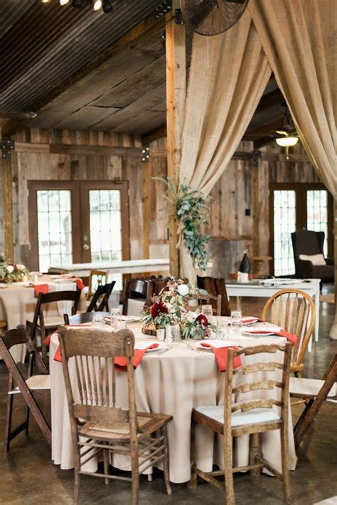 Elegant Texas Wedding with Beautiful Rustic Decor   MODwedding