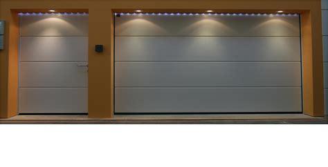 cocheras levadizas c 243 mo decorar la casa puertas seccionales garaje