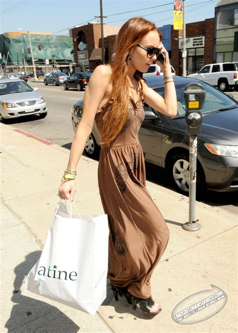 lindsay lohan ontd lindsay shops at satine shop 07 09 oh no they didn t