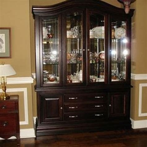 How To Arrange A Dining Room Hutch: 4 <a  href=