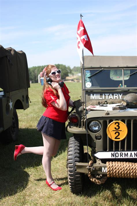 jeep pin up girls bantam jeep heritage festival 2013