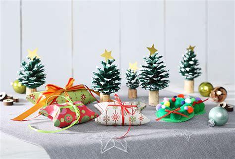 kinder basteln weihnachten wie einen weihnachtsmann mit